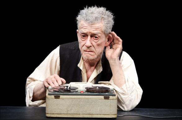 John Hurt interpretando a Krapp