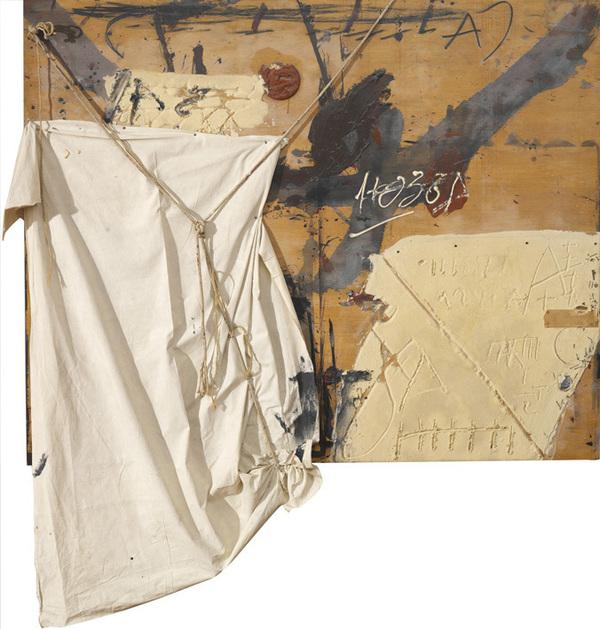 Antoni Tàpies Composición con ropa y cuerda