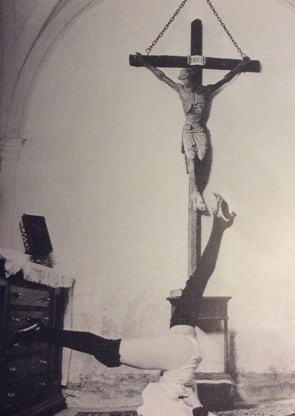Domingo de Ramos. Fragmento de fotograma de la película Interior de un convento. Walerian Borowczyk 1977