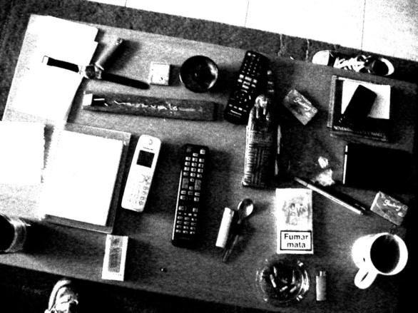 Un día cualquiera sobre la mesa de entonces. Fotografía de Olmo Z. Noviembre 2014