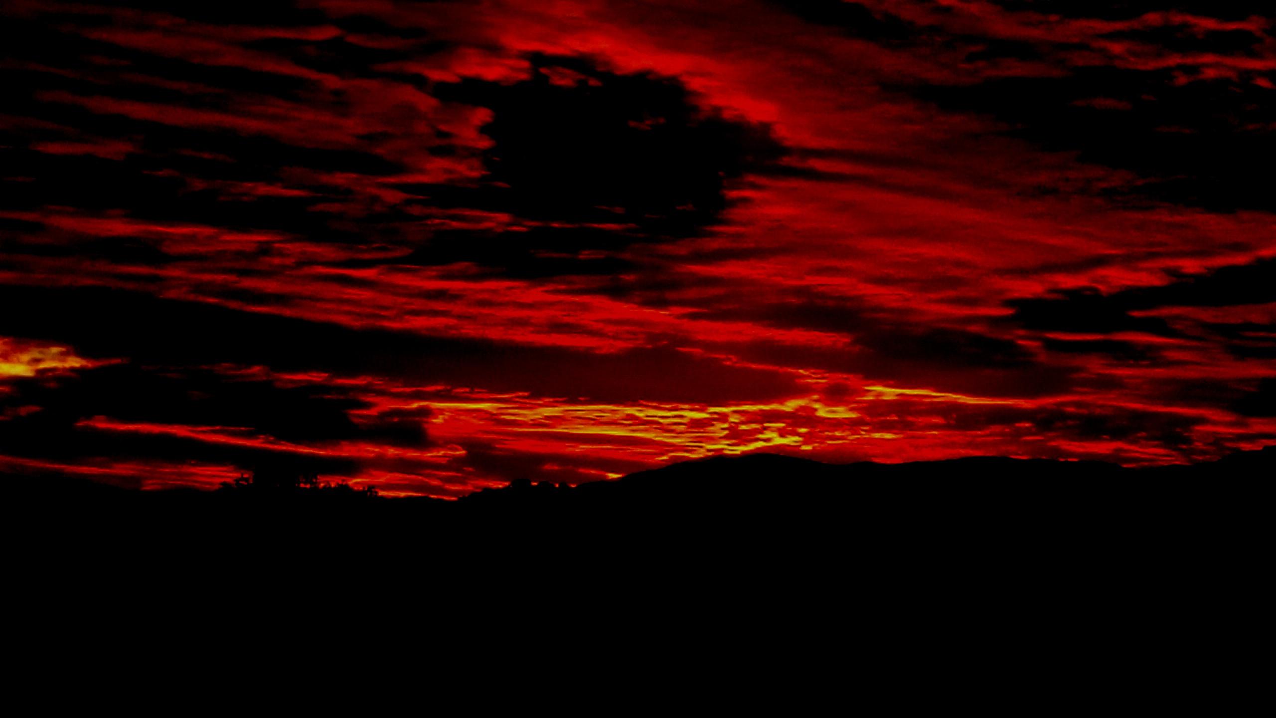 No era el infierno. Fue un paseo por las nubes. Perteneciente a la Serie fotográfica Espasmos de Olmo Z. realizada en fecha desconocida.
