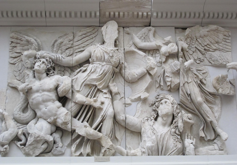 Fagmento de la Gigantomaquía en el Altar de Zeus en Pérgamo. s. II a.C.